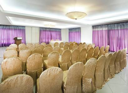 Meetings - Theatre set-up:  Have a great hassle-free meeting in the Ixora Meeting Room