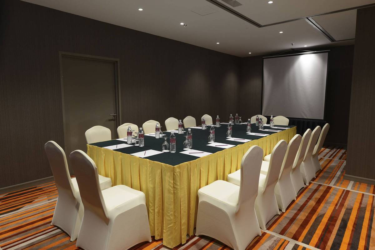 Meeting Boardroom Set-up:  Let us help you to have great smoothly run meetings