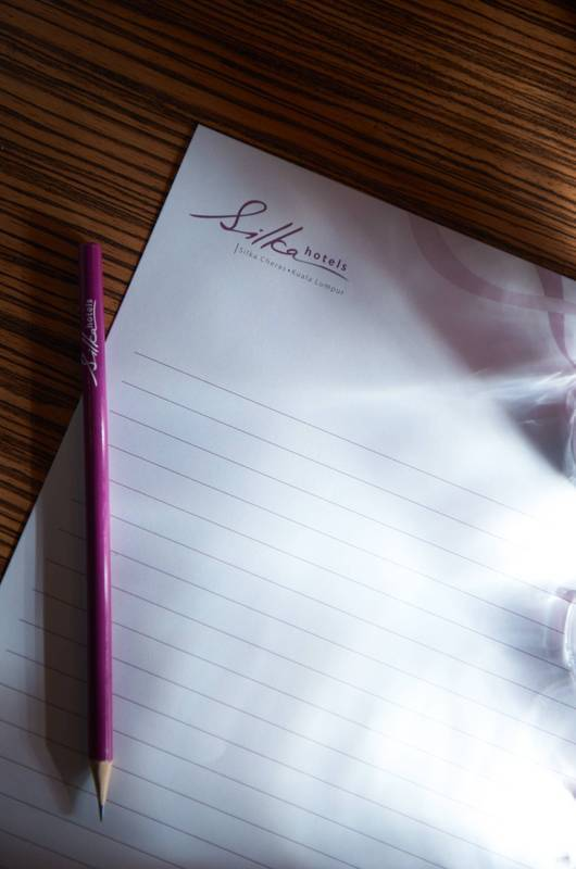 Meetings: Complimentary meeting stationery so you won't miss any important detail