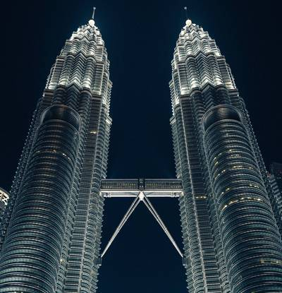 Petronas Twin Towers (13 km)