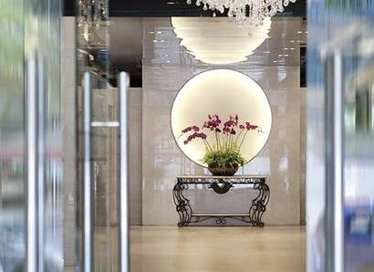 Hotel Lobby: An inviting and relaxing ambience on first entering the hotel