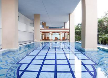Swimming pool: Our renowned outdoor pool-with-a-view can be found on level 8